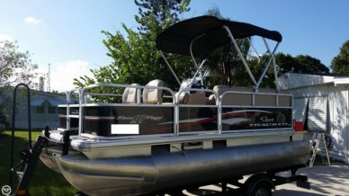 Sun Tracker Bass Buggy 16 DLX, 16', for sale - $18,500