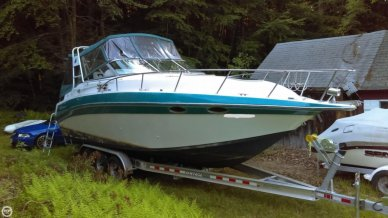 Celebrity 310, 30', for sale - $15,500