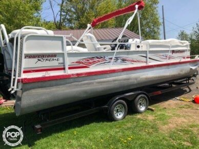 Playcraft Xtreme 2600 Tritoon, 28', for sale - $34,500