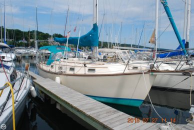 Island Packet 31, 31', for sale - $52,900