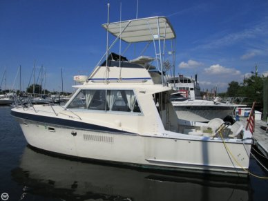 Hatteras 34C, 34', for sale - $19,000
