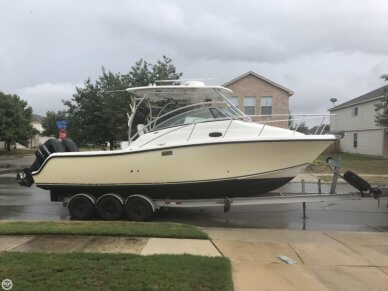 Mako 284 Express, 30', for sale - $58,000