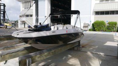 Scarab 165G, 15', for sale - $19,900