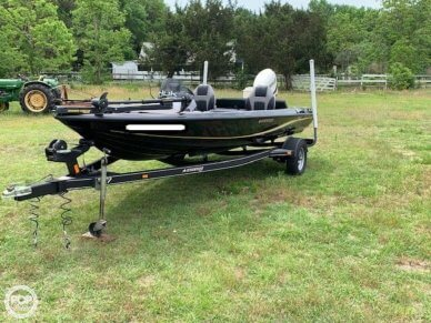 Stratos 176 XT, 17', for sale - $19,750