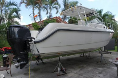 Boston Whaler Conquest 28, 30', for sale - $44,000