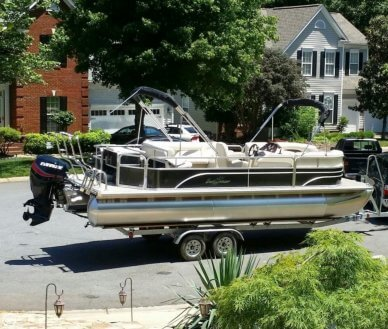 Sunchaser 8524 Fish-N-Cruise, 23', for sale - $30,900