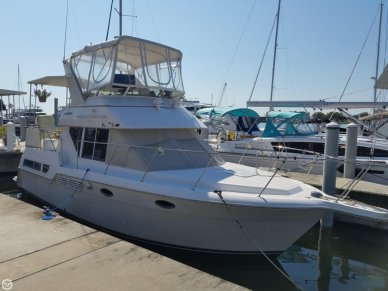Carver 325 Aft Cabin Motoryacht, 32', for sale - $32,495