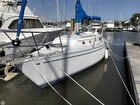 1983 CAL 35 Cruiser Port Bow