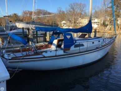 Islander 37, 37', for sale - $16,500