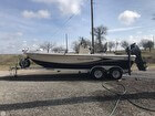 Blue Water 2200 Pure Bay W/175 Hp Suzuki 4 Stroke