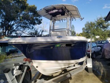 Robalo R180, 18', for sale