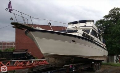 Marinette 37 AC, 39', for sale - $16,500