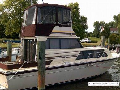 Marinette 32 Sedan Bridge, 32', for sale - $22,700