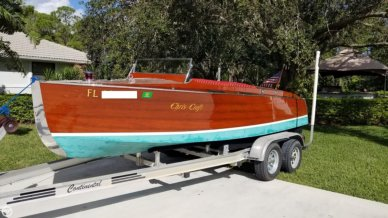 Chris-Craft Model 100 Triple Cockpit Runabout, 20', for sale - $29,950