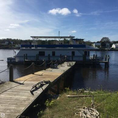 New Orleans Custom Houseboat, 67', for sale - $180,000