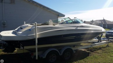 Sea Ray 220 Sundeck, 23', for sale - $26,500