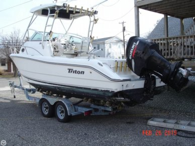 Triton 2486 Walk Around, 25', for sale - $22,800