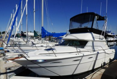 Sea Ray SRV300 Sedan Bridge, 300, for sale - $16,700