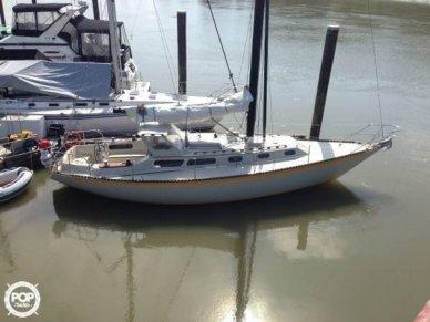 Islander 36 Sloop, 36', for sale - $33,400