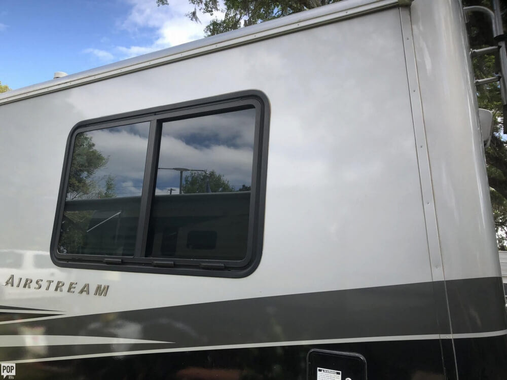 2005 Airstream 32 land yacht For Sale