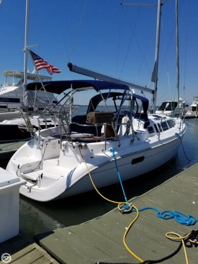 Hunter 340, 33', for sale - $58,000