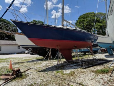 C & C Yachts 34, 33', for sale - $18,250