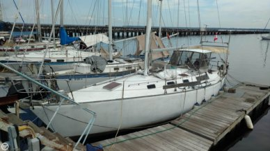 Bruce Roberts 370, 37', for sale - $24,900
