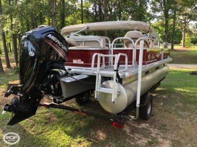 Sun Tracker Bass Buggy 18, 18, for sale - $22,250