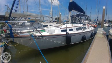 S2 Yachts 11.0 C, 36', for sale - $39,500