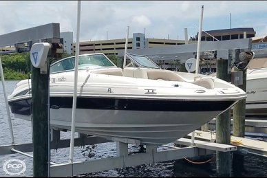 Sea Ray 220 Sundeck, 23', for sale - $18,995