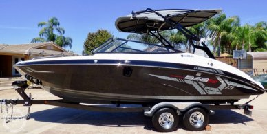 Yamaha 242X E-Series, 24', for sale