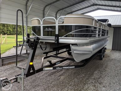 Sun Tracker Party Barge 22 DLX, 22, for sale - $31,500