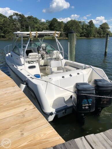 Boston Whaler Conquest 260, 28', for sale - $38,000