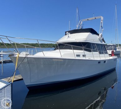 Bayliner 3288 Motor Yacht, 3288, for sale - $30,000