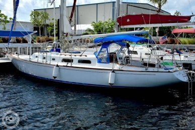 Pearson 39, 39', for sale - $36,200