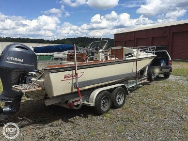 Boston Whaler Outrage 22 Cuddy, 22, for sale