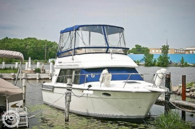 Carver 300 Sedan, 32', for sale - $24,000