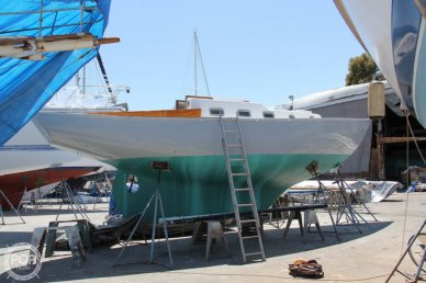 Pearson Vanguard, 32', for sale