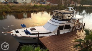 President 43 Double Cabin Aft Motor Yacht, 43, for sale - $69,900