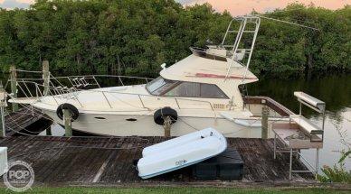 Trojan 10 Meter International Sedan Flybridge, 33', for sale - $38,500