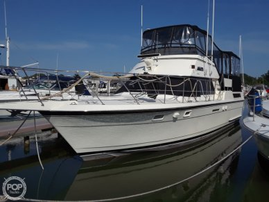 Hatteras 40 Dual Cabin Motor Yacht, 40, for sale