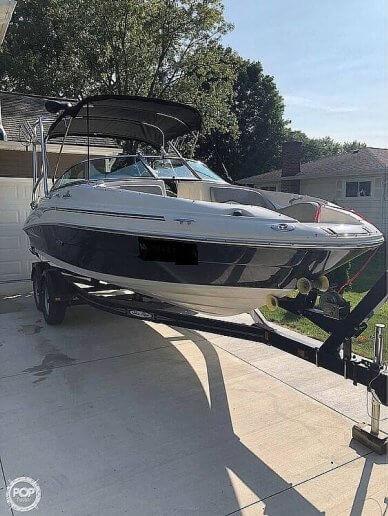 Sea Ray 220 Sundeck, 220, for sale - $33,300