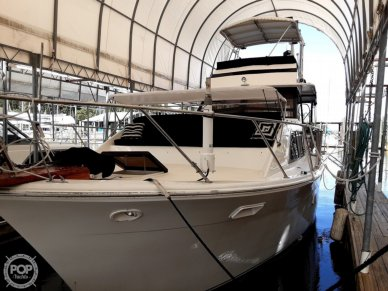 Pacemaker Flush Deck Motor Yacht, 40', for sale - $52,000