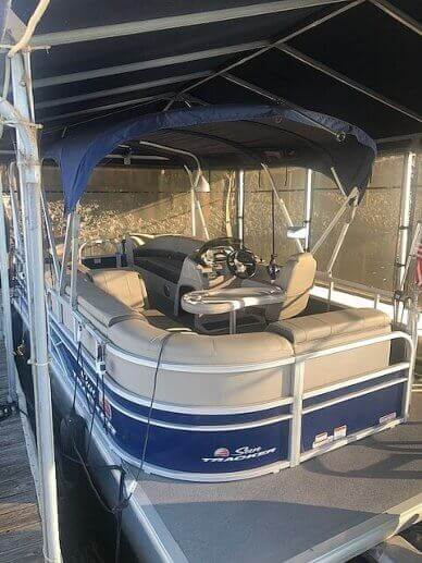 Sun Tracker 20 Party Boat, 20, for sale - $24,000