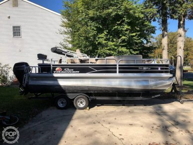 Sun Tracker 20 DLX Party Barge, 20, for sale - $27,250