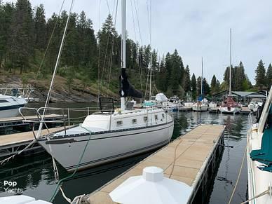 Hunter 33', 32', for sale - $38,900