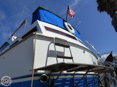 1970 Pacemaker 38 Aft Cabin - #6