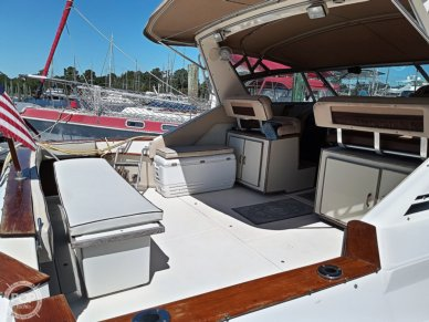 1986 Sea Ray 390 Express Cruiser - #3