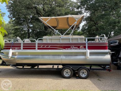 Sun Tracker Fishing Barge 20DLX, 20, for sale - $32,500