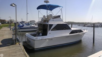 Pacemaker 32 Sedan, 32', for sale - $15,500